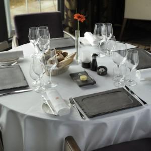 Сервировка стола в Английских традициях - Сланцевая посуда Welsh Slate Slateware