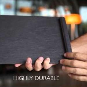 Сланцевые тарелки Welsh Slate Slateware снабжены ножками, для удобства обслуживания